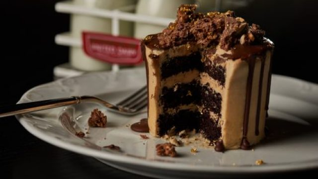 Chocolate Peanut Butter Cake - 4 - Anthony Tahlier